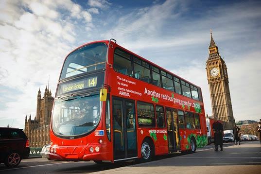 Ônibus de dois andares em Londres
