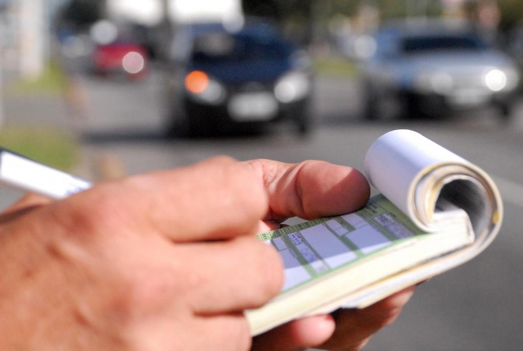 O que fazer quando um motorista da frota de veículos é multado?