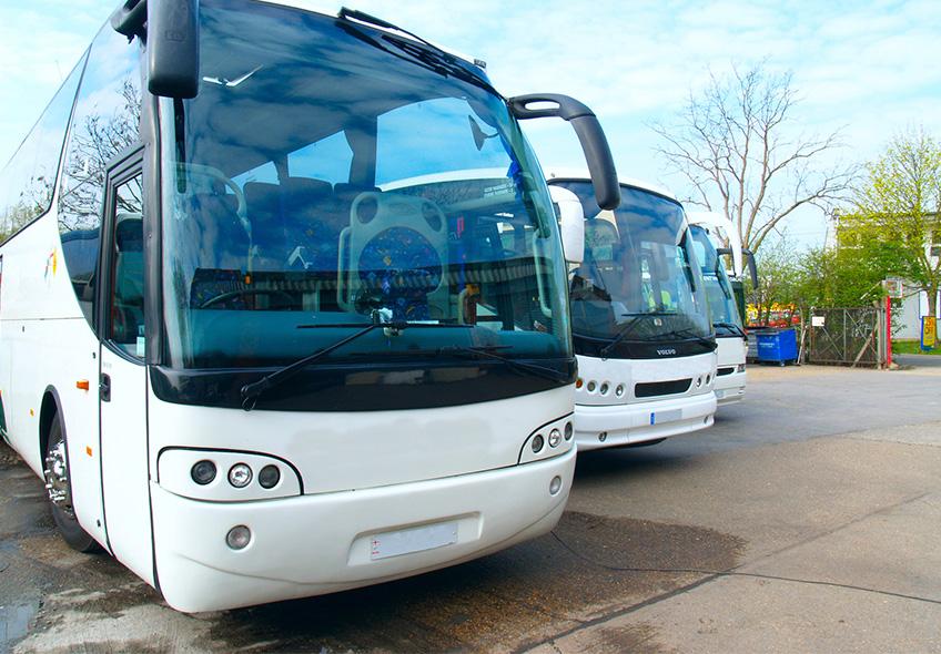 Investir em DVR para ônibus é importante pois auxilia na proteção dos carros e na segurança dos motoristas.